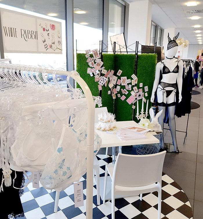 WHITE RVBBIT & Wiosenny Salon Bielizny