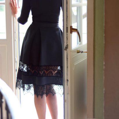 Spódnica rozkloszowana Black Velvet
