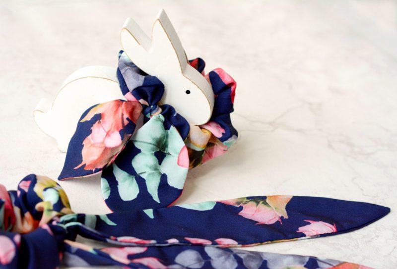 Gumka do wlosow Flower Beauty scrunchies White Rvbbit
