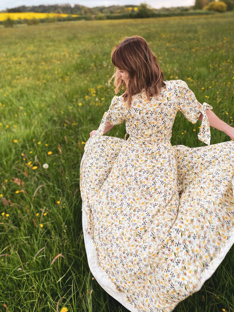 Letnia sukienka kopertowa Yellow Jasmine