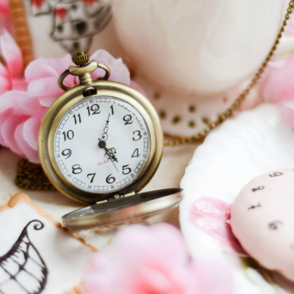 5 o'clock - urodzinowa kolekcja WHITE RVBBIT