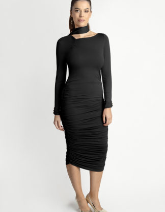 Czarna sukienka Shape Me - White Rvbbit